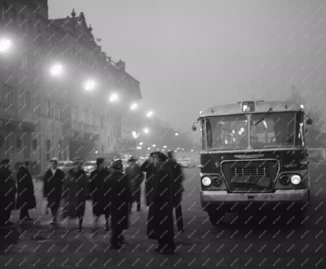 Tömegközlekedés - Mentesítő autóbusz