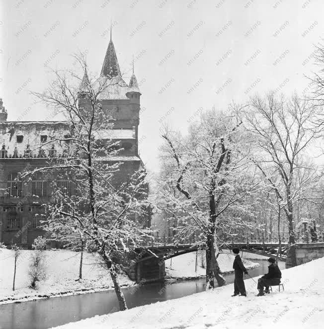 Szabadidő - Időjárás - Az első hó Budapesten