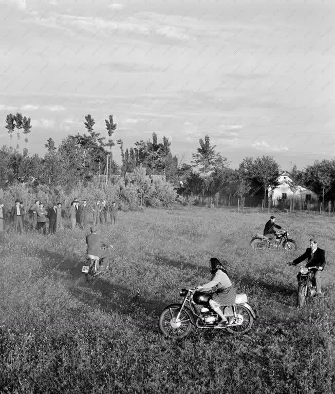 Hobbi - A mórahalmi motorosklub