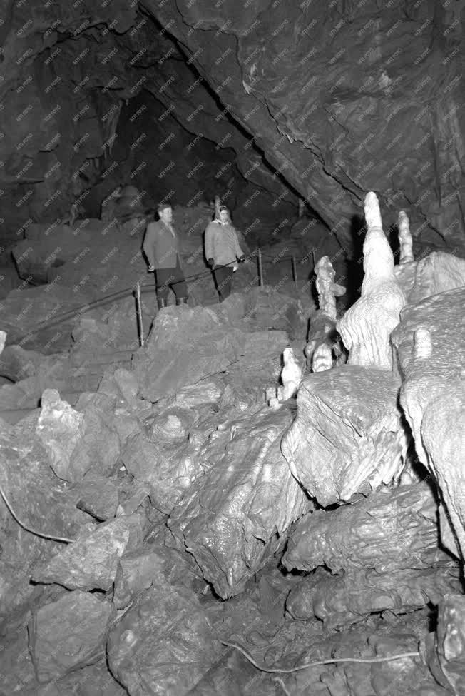 Turizmus - A Jósvafői cseppkőbarlang