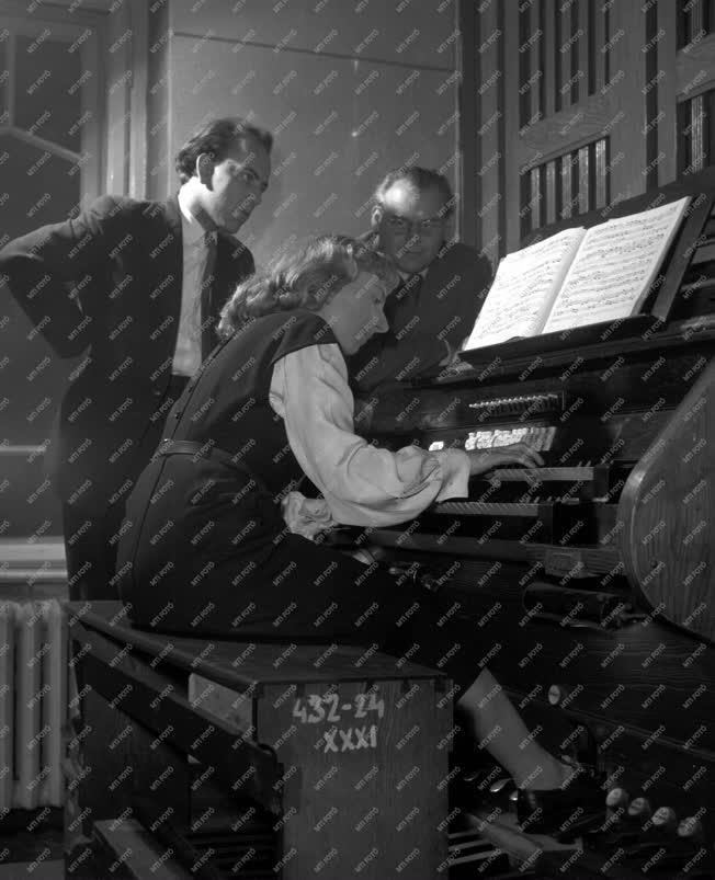 Kultúra - Zene - Készülődés a Prágai tavasz zenei versenyre