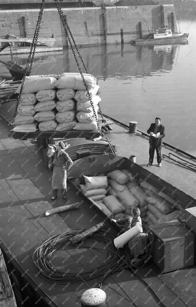 Közlekedés - Csepeli Szabadkikötő