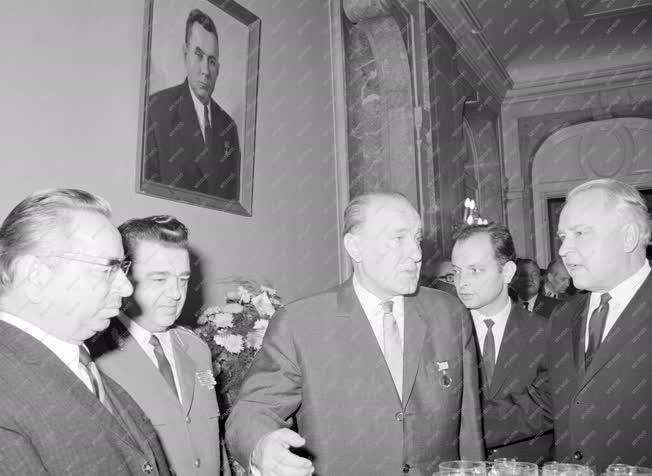 Külkapcsolat - Fogadás a szovjet nagykövetségen