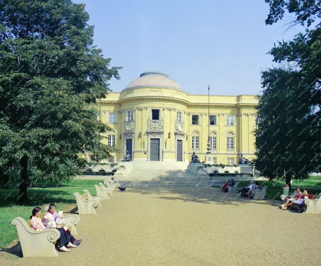 Városkép - A Déri Múzeum a Déri téren