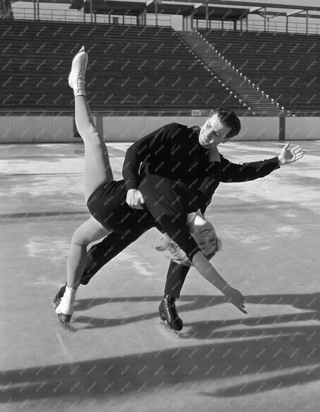 Sport - Műkorcsolyázók edzése