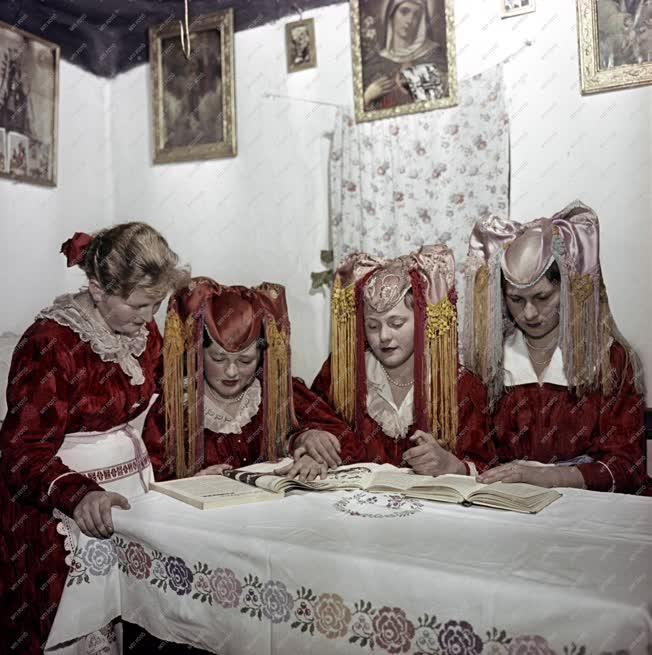 Népművészet - Palóc népviselet