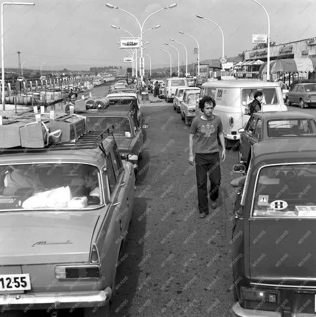 Közlekedés - Nyári csúcsforgalom