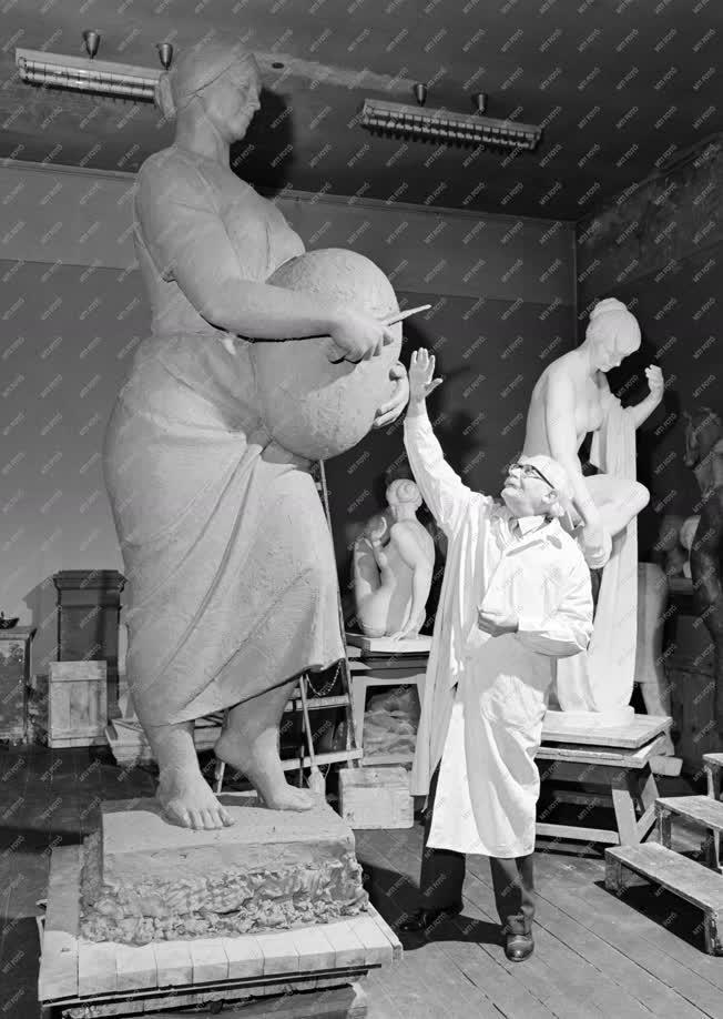 Kultúra - Pátzay Pál szobrászművész