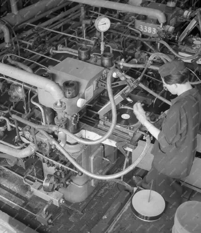 Ipar - Hanglemezgyártás