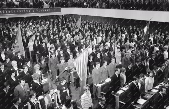Belpolitika - KISZ VIII. kongresszusa