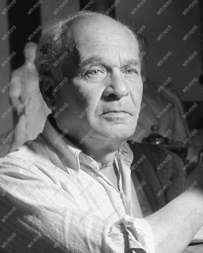 1950-es Kossuth-díjasok - Csorba Géza Kossuth-díjas szobrász