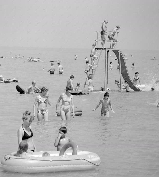 Életkép - A siófoki strandon