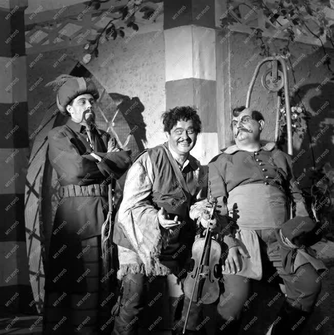 Gül Baba - bemutató a Déryné Színpadon