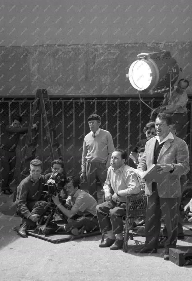 Kultúra - Film - Megkezdték a Májusi fagy című film forgatását