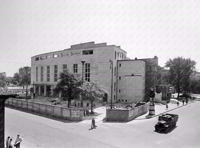 Rekonstrukció -  Átépítik az Erkel Színházat