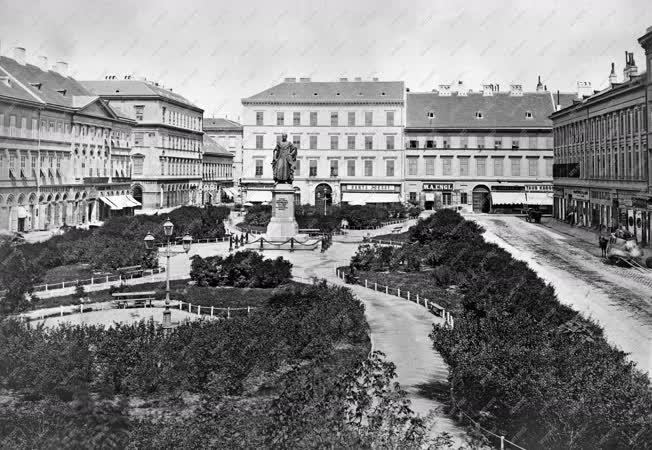 Városkép - Budapest - József nádor tér
