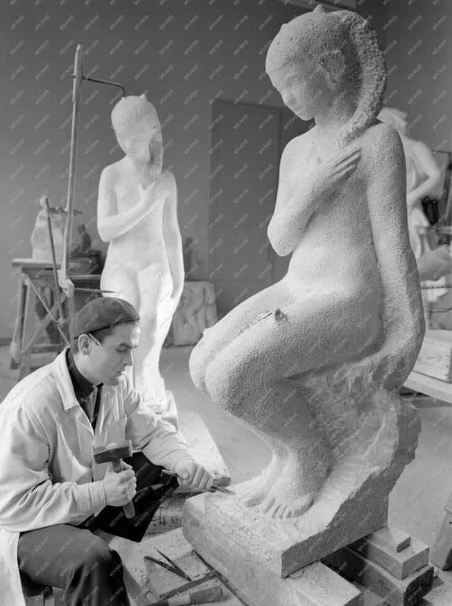 Kultúra - Képzőművészeti Kivitelező és Iparvállalat