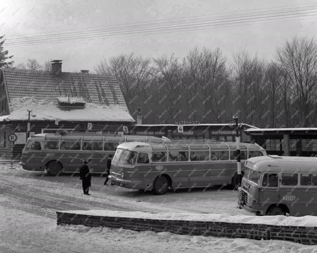Közlekedés - Mátraházai autóbusz állomás