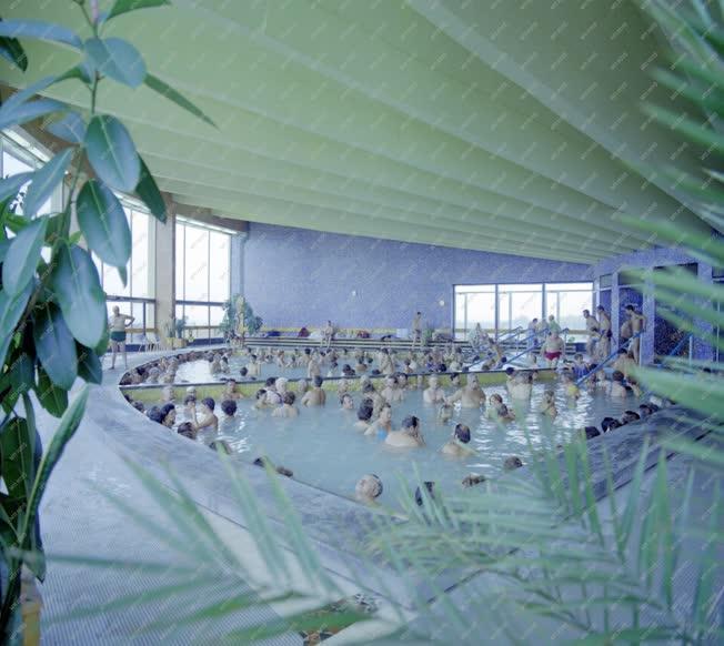 Egészségügy - A zalakarosi termál- és gyógyfürdőben
