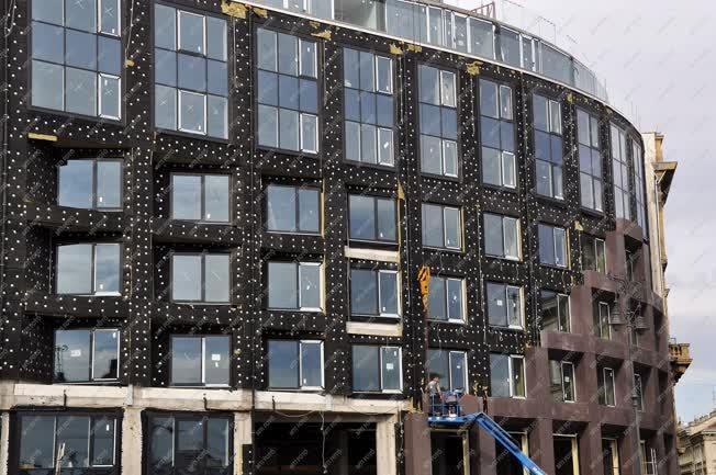 Építőipar - Budapest - Épül a Hotel Clark
