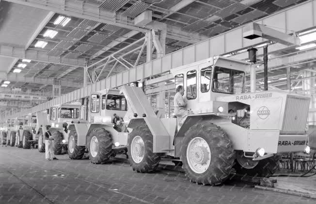 Ipar - Mezőgazdasági gépgyártás - Rába-Steiger traktorok
