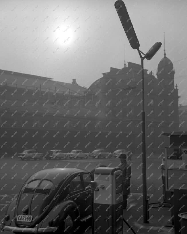 Városkép - Budapest - Marx tér - Nyugati pályaudvar