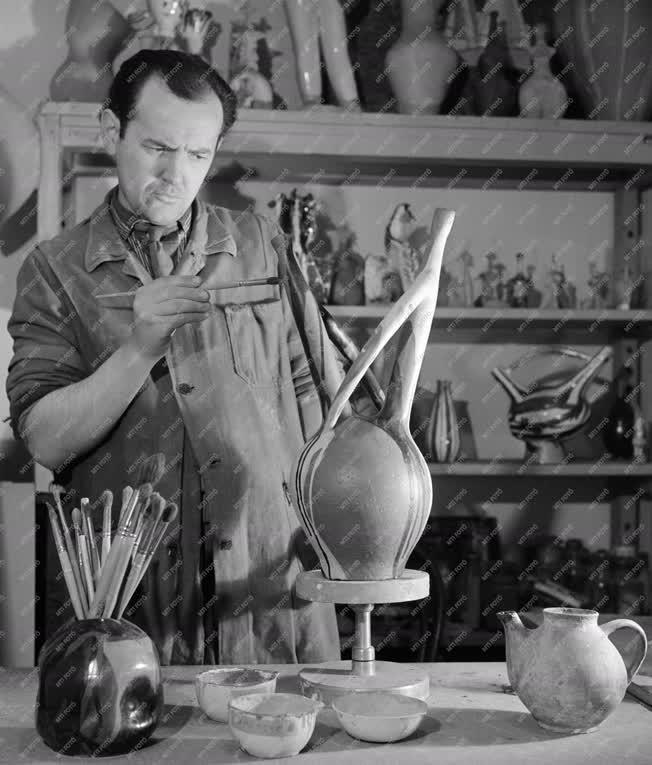 Kultúra - Művészet - Csehovszky Árpád keramikus, szobrász