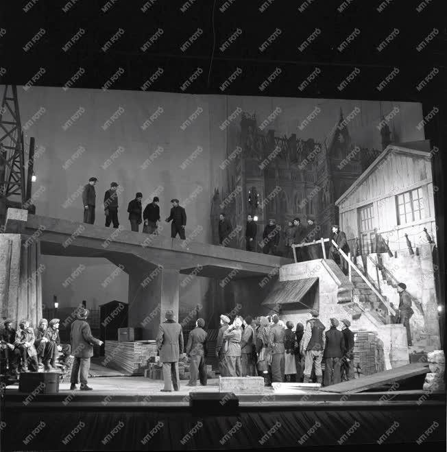 Kultúra - Színház - Az élet hídja
