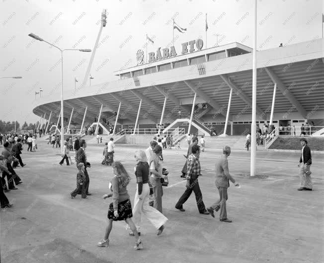 Sport - Sportlétesítmény - Stadionavatás Győrben