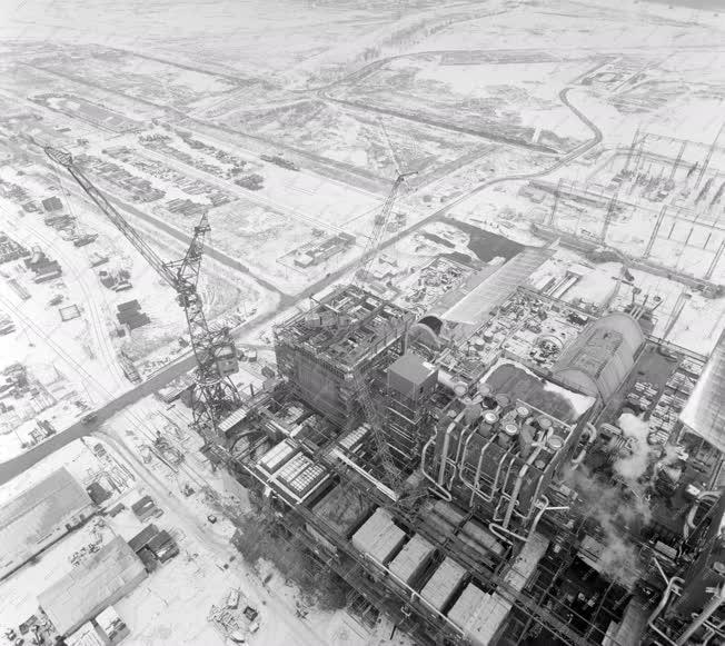 Ipar - Energiaipar - A Tiszai Hőerőmű épülő négyes blokkja