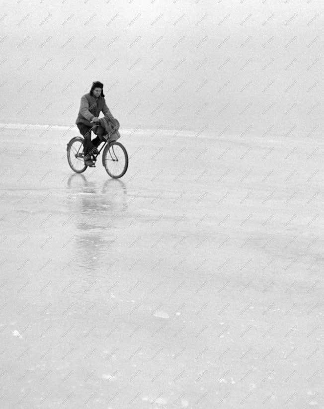 Időjárás - A befagyott Balaton