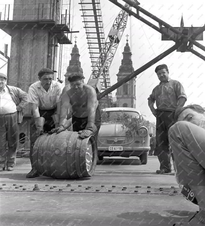 Építkezés - Épül az Erzsébet híd