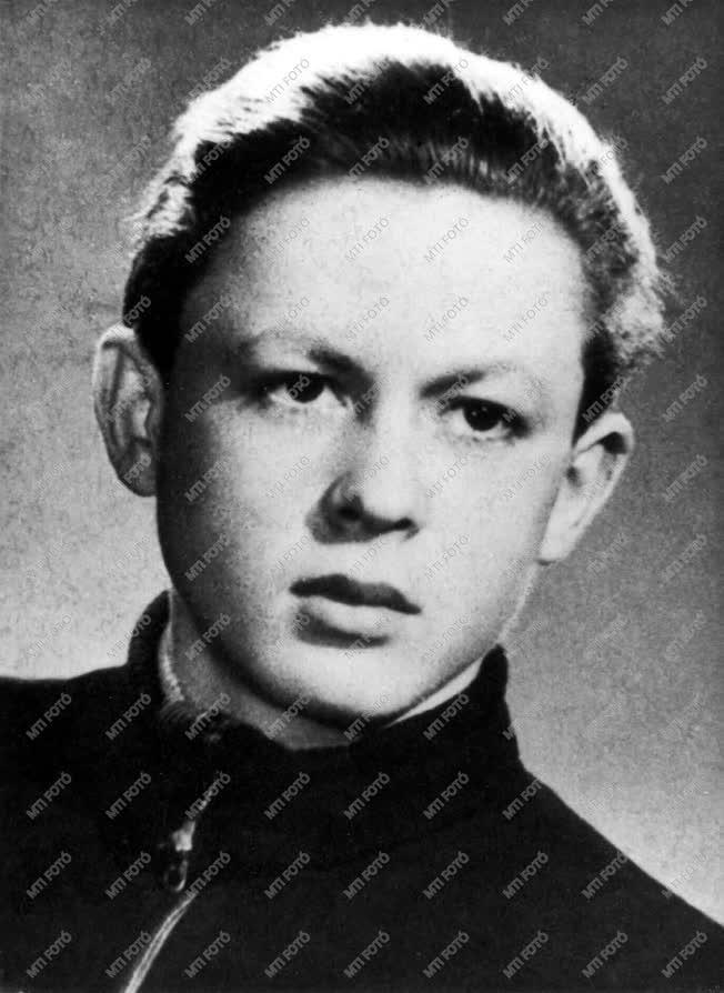 1956-os forradalom - Megtorlás - Mansfeld Péter