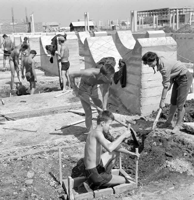 Oktatás - Építőipar - Szakmai gyakorlaton a leendő mérnökök