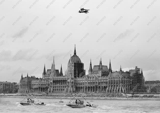 Ünnep - Augusztus 20. - Vízi- és légiparádé
