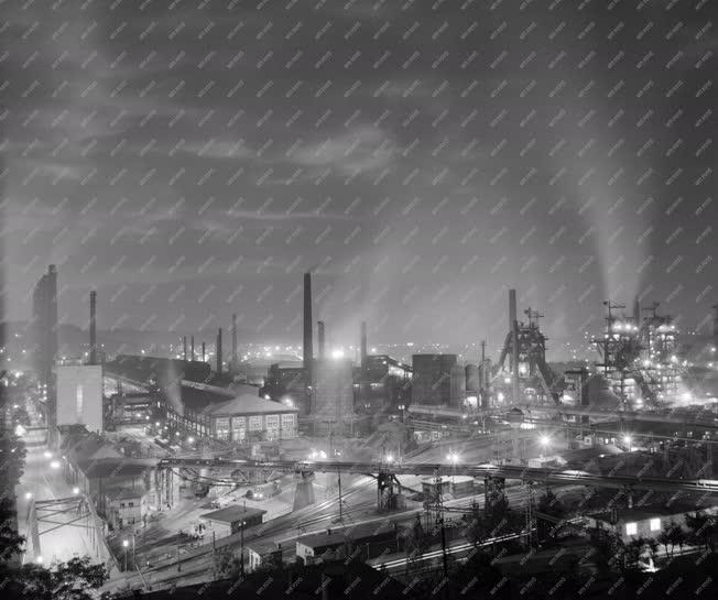 Ipar - Az Ózdi Kohászati Művek