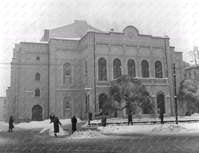 Városkép - A Debreceni Csokonai Színház épülete