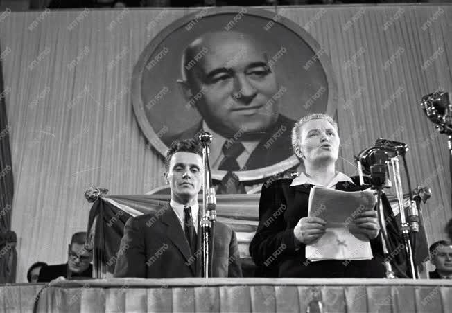 Belpolitika - Az MSZT kongresszusa