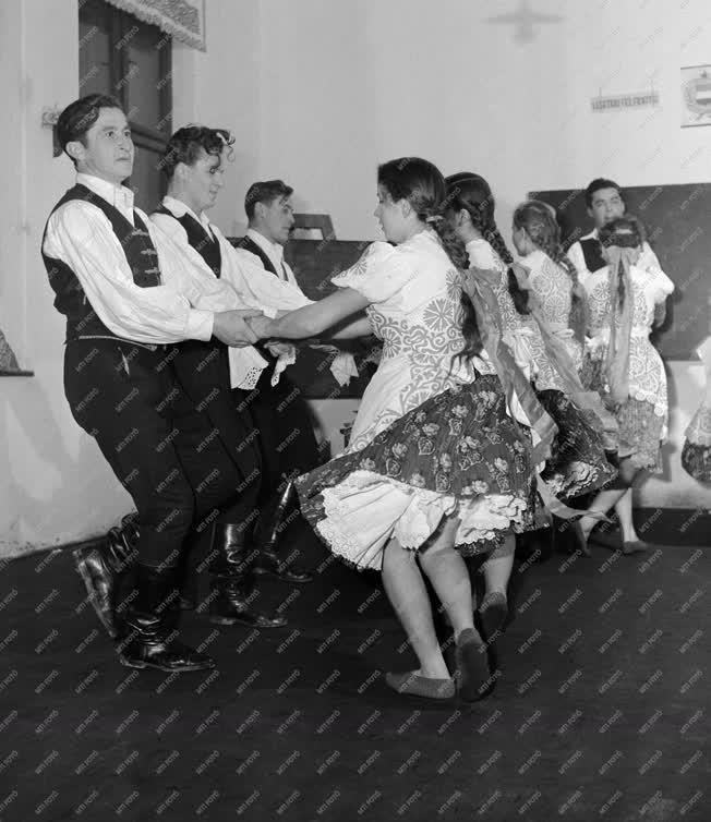 Kultúra - Folklór Buzsákon