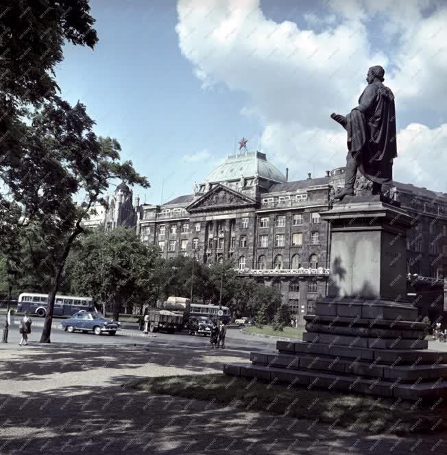Városkép - Budapest - Roosevelt tér