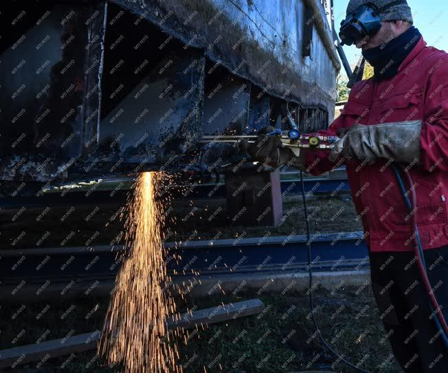 Ipar - Tiszalök - Hajójavító üzem