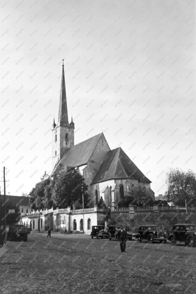 Városkép-életkép - A dési református templom