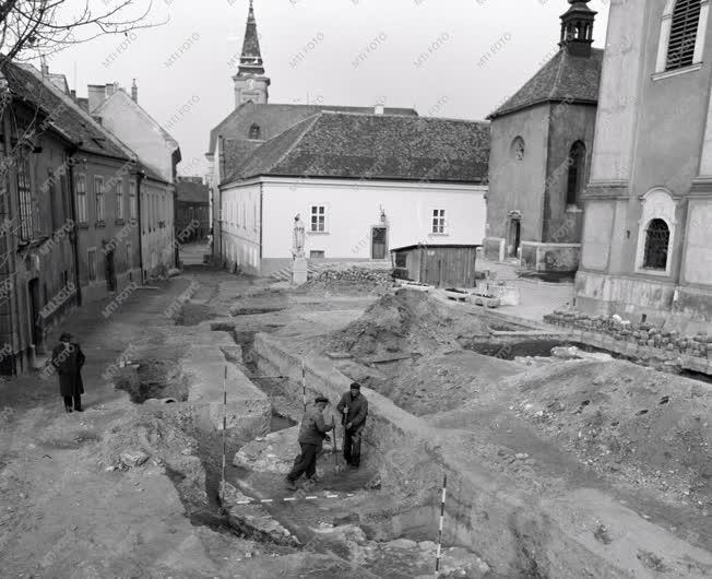 Régészet - Ásatás Székesfehérváron