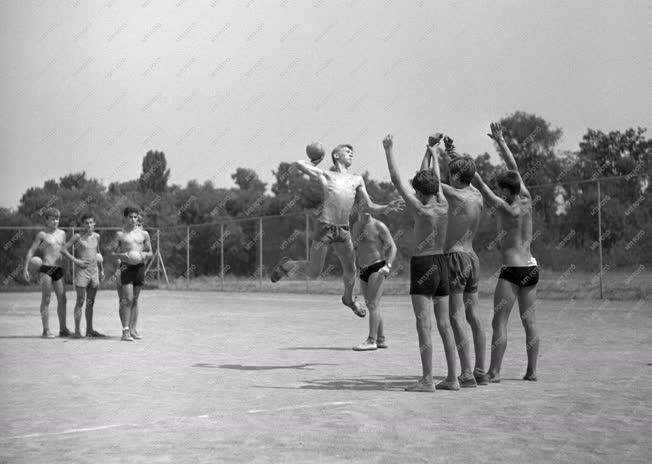 Sport - Tatai Országos Ifjúsági Központi Sporttábor