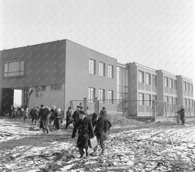 Beruházás - Bogáncs utcai új általános iskola