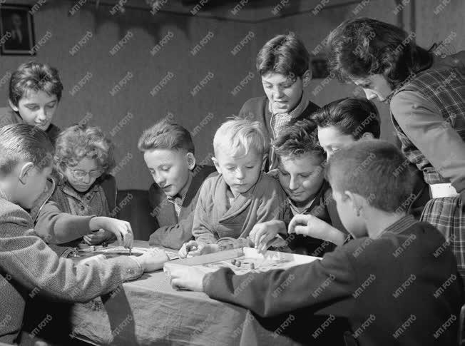Társadalmi kérdés - Gyermeklakóbizottságok Csepelen