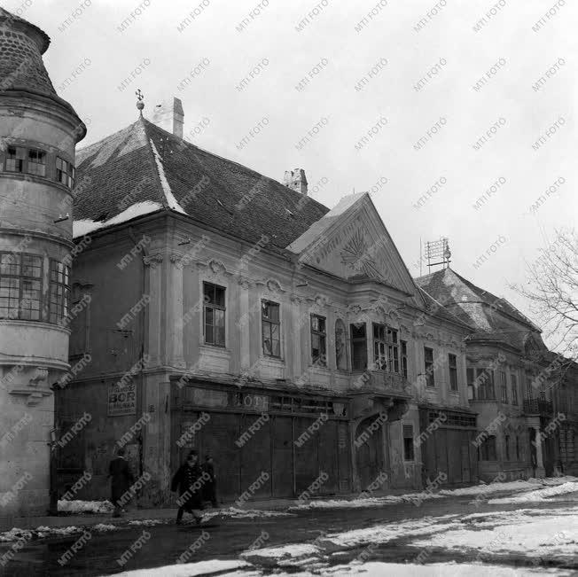 Városkép-életkép - Romos épület Mosonmagyaróváron
