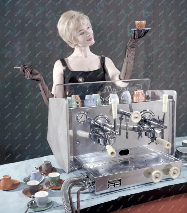 Reklám - Karos presszókávéfőző gép