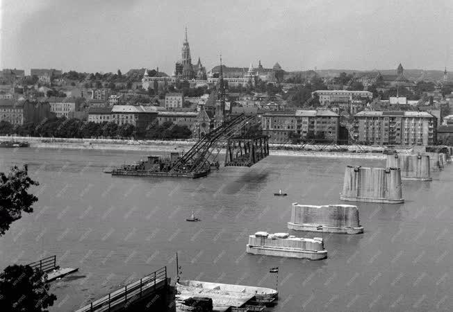 Ipar - A Kossuth híd bontása