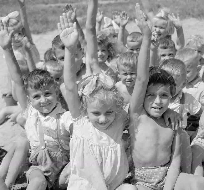 Oktatás - Apajpusztai Állami Gazdaság óvodája